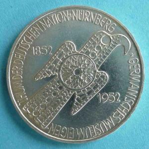 "5 DM Gedenkmünze ""Germanisches Museum Nürnberg"""