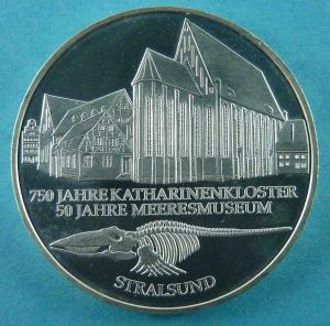 10 DM Gedenkmünze 750 Jahre Katharinenkloster und 50 Jahre Meeresmuseum Stralsund