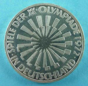 """10 DM Gedenkmünze """"Die Strahlenspirale als Logo der Sommerolympiade 1972"""""""