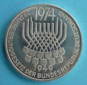 """5 DM Gedenkmünze """"25 Jahre Grundgesetz der Bundesrepublik Deutschland"""""""