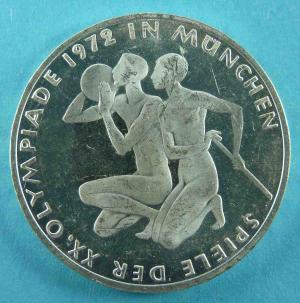 10 DM Gedenkmünze Olympiade 1972 – Sportlergruppe
